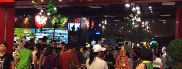 Pak John Steamboat & Yong Tao Foo is one of Posti che sono piaciuti a Ree Nee.