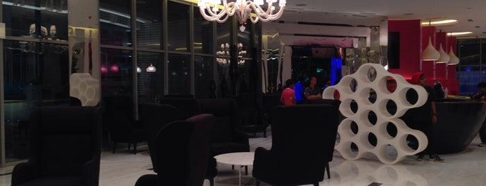 Paris Beach Club Concierge & Lounge is one of Azure Urban Resort Residences.