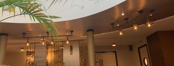 Burdigala Hotel Bordeaux is one of Locais curtidos por Jos.