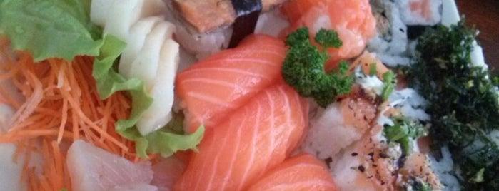 Sakae Sushi is one of Lugares favoritos de Rodrigo.