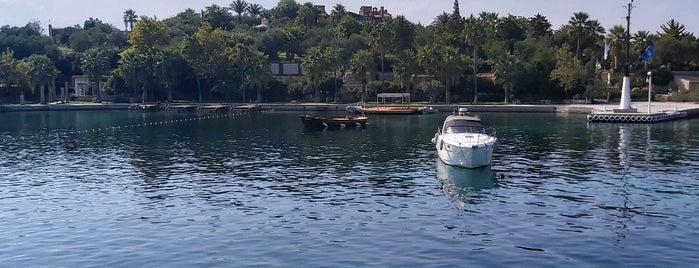 Kalem Adası is one of GezginGurmeさんのお気に入りスポット.