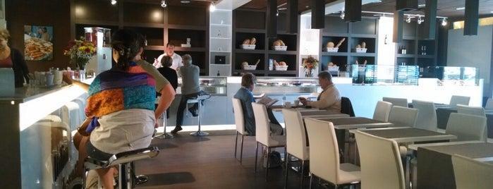Italian Bakery Cafè is one of Bob'un Beğendiği Mekanlar.