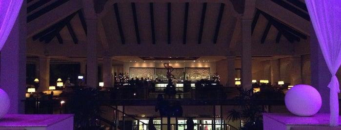 Lobby Bar is one of Posti salvati di Analu.