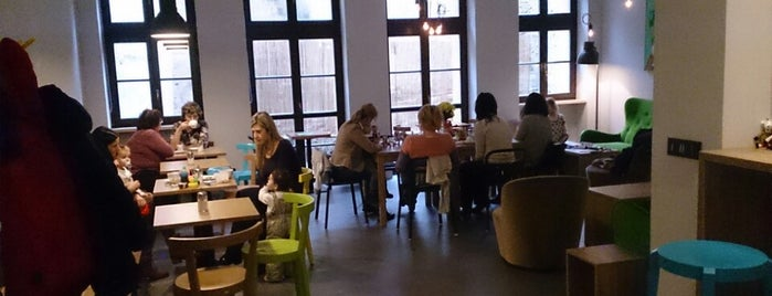 Kavárna Mlsná Koza (café) is one of Kde si pochutnáte na kávě doubleshot?.