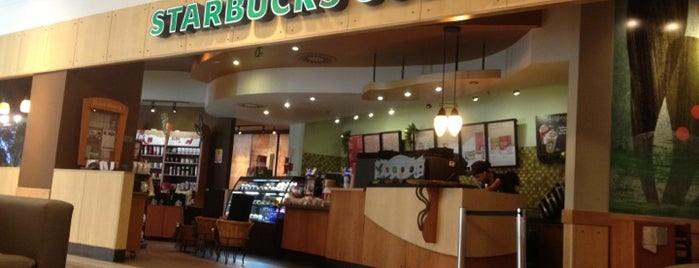 Starbucks is one of Locais salvos de Cledson #timbetalab SDV.