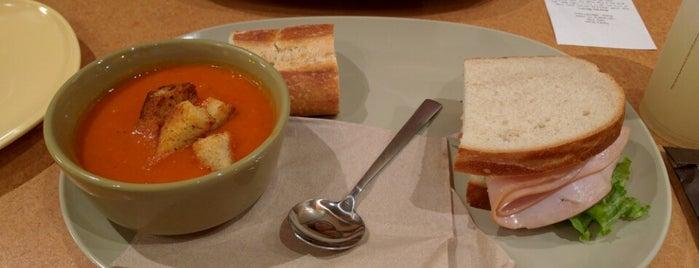 Panera Bread is one of Lugares favoritos de Pablo.