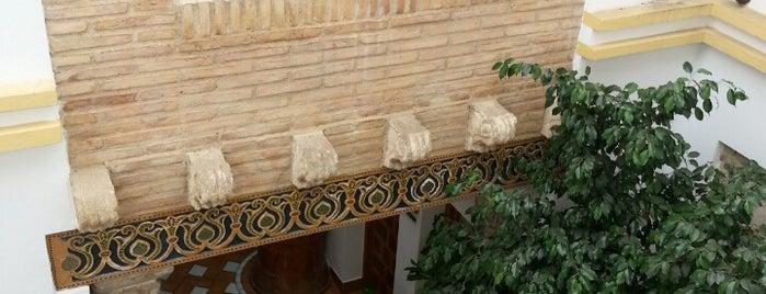 Hotel La Hospederia de El Churrasco is one of Lugares favoritos de Josh.