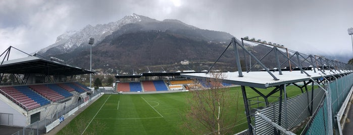 Rheinpark Stadion is one of Carl'ın Beğendiği Mekanlar.