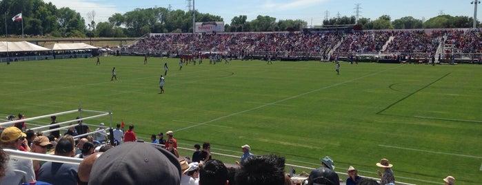 Bonney Field is one of 🎿🏈🏀⚽️⚾️.