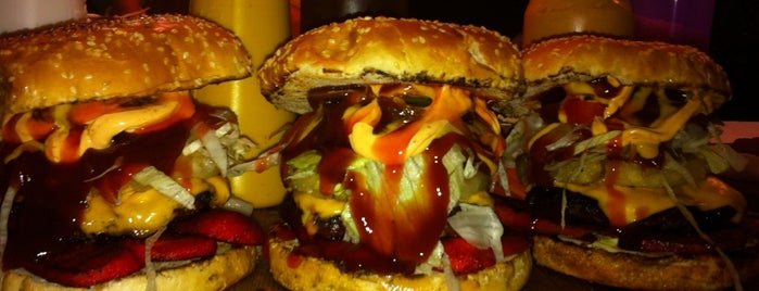 Zombie Burger is one of Comida.