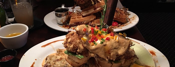 Hash House A Go Go - Plano is one of Lugares favoritos de Val.
