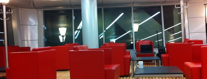 DB Lounge is one of Bahnhöfe.