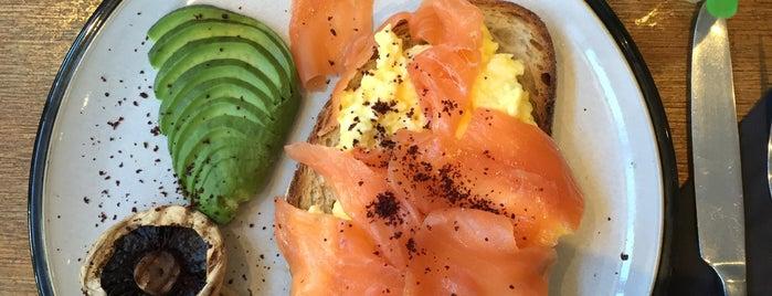 Market Cafe is one of Breakfast/Brunch in London.