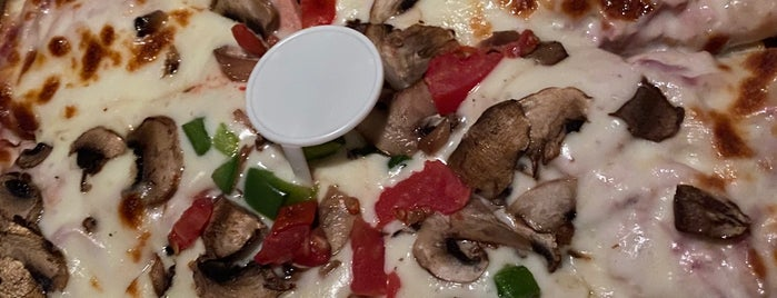 Hamsayeh Pizza | پیتزا همسایه is one of Raftam.