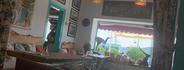 Mavi Cafe & Restaurant is one of Ersin'in Beğendiği Mekanlar.