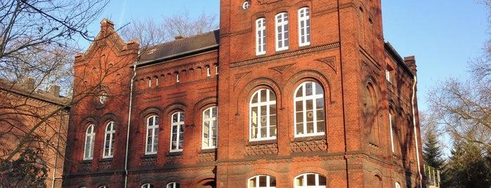 ehemalige Mädchenschule is one of industrielle Kulturlandschaft Zollverein.
