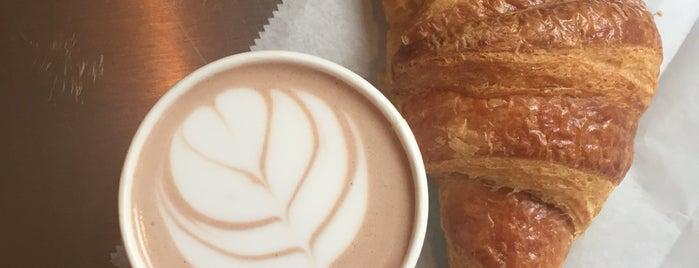 Le Cafe Coffee is one of Posti che sono piaciuti a Khalil.