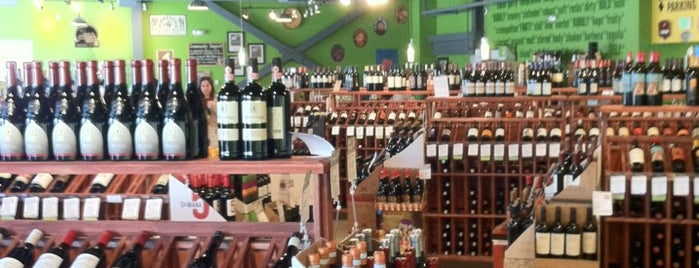 Mile High Wine & Spirits is one of Aaron'un Beğendiği Mekanlar.