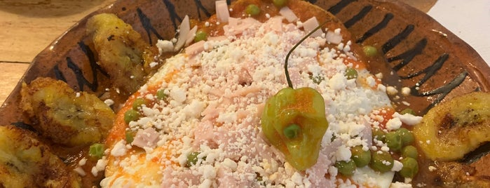 maíz, canela y cilantro is one of Lugares favoritos de Rick.