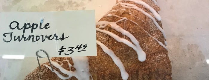 blackberry river baking co is one of Jonさんのお気に入りスポット.