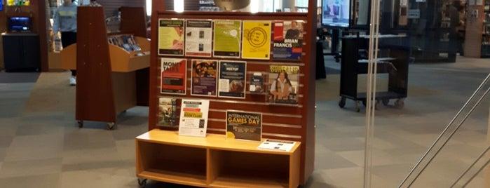Aurora Public Library is one of Tempat yang Disimpan Deborah Lynn.