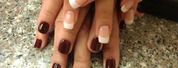 Acqua Nails is one of Locais curtidos por Isabella.