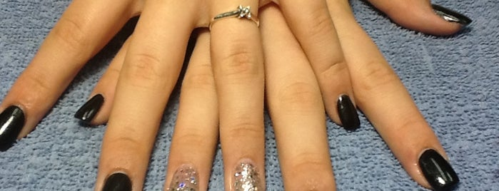 Who Dat Nails Spa is one of Locais curtidos por Isabella.