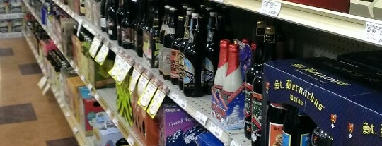 Binny's Beverage Depot is one of Chi town.
