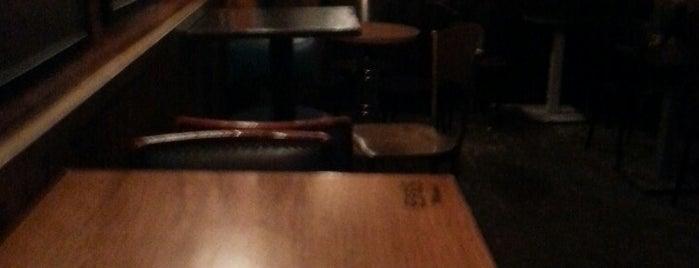 Plak Bar is one of Locais curtidos por Sinem.