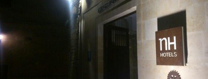 Hotel NH Salamanca Puerta de la Catedral is one of Posti che sono piaciuti a Mehmet Zeki.