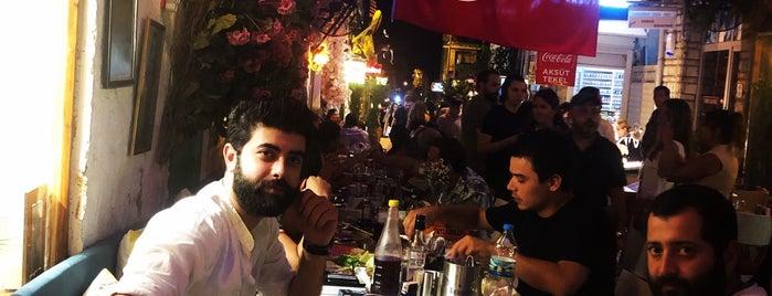 Bizim Ev Restaurant is one of สถานที่ที่ Merve ถูกใจ.
