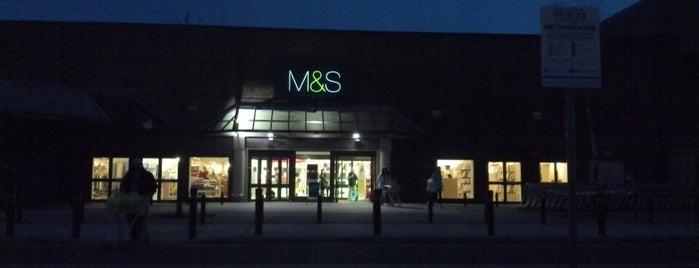 Marks & Spencer is one of Orte, die T gefallen.