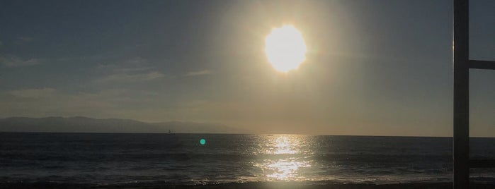 Playa Velas is one of สถานที่ที่ Irlys ถูกใจ.