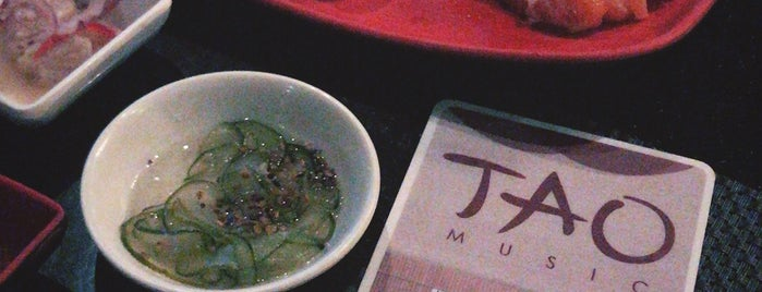 TAO SushiBar is one of Lugares favoritos de Aline.