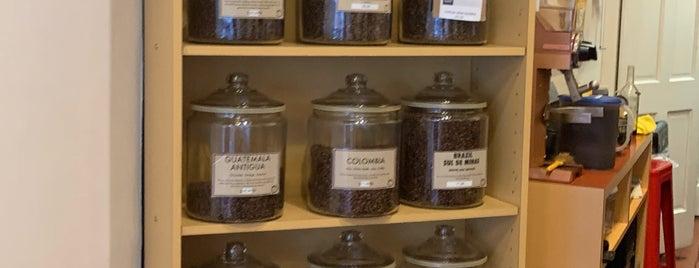 Oren's Daily Roast Coffees & Teas is one of Chic dessert/coffee spot.