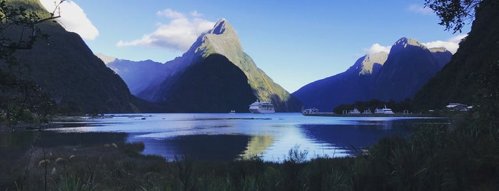 Milford Sound is one of New Zealand: Done.