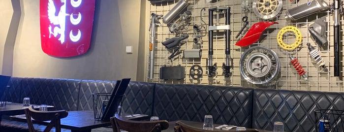 Criniti's is one of Lugares favoritos de Bibi.