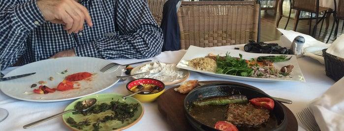Dafne Restaurant is one of Orte, die Melis gefallen.