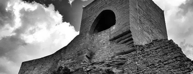 Castillo de Mora de Rubielos is one of Castillos de Aragon.