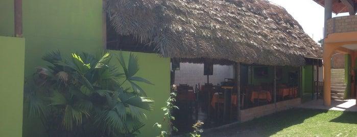 Restaurant Cevichería Sazón y Limón is one of Tempat yang Disukai Emilio.