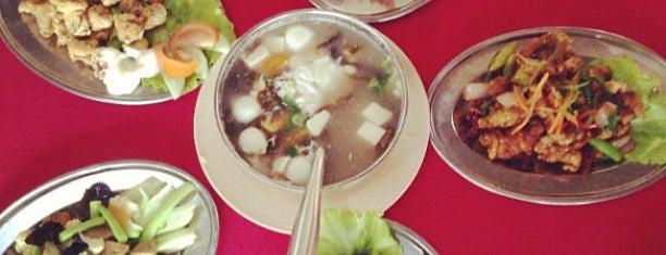 椰林园海鲜饭店 Ye Lin Seafood Garden Restaurant is one of Travel.