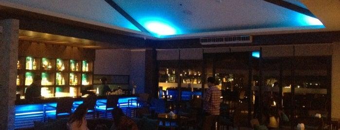 Roof Deck - Harolds Hotel is one of สถานที่ที่ Fidel ถูกใจ.