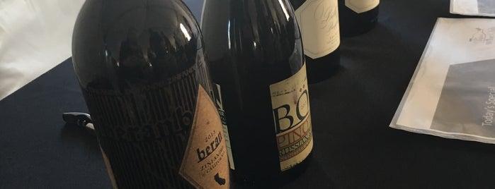 The Original Wine Club is one of Locais curtidos por Dan.