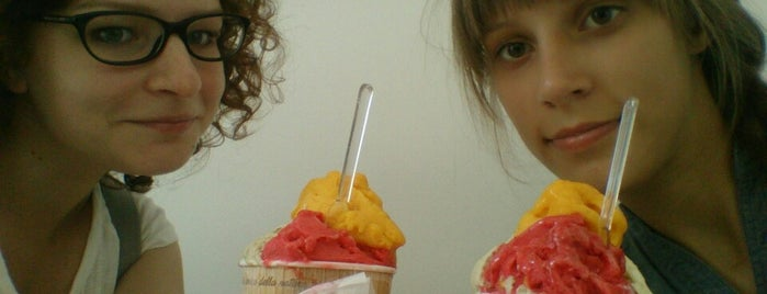 CaraPina is one of Gelaterie vegan-friendly a Milano e dintorni.
