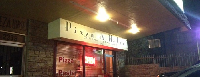 Pizza a Metro is one of Eat Local.