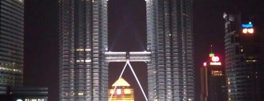 SkyBar Kuala Lumpur is one of Orte, die Abdul Ali gefallen.