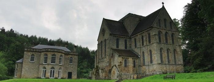Brinkburn Priory is one of Lieux qui ont plu à Carl.