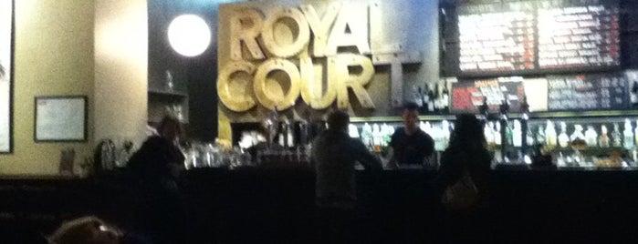 Royal Court Cafe Bar is one of À faire à Londres.