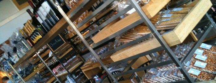 Bread Bakery & Deli is one of Olina'nın Beğendiği Mekanlar.