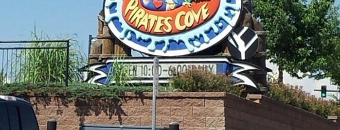 Pirates Cove Family Fun Aquatic Center is one of Locais curtidos por Brook.
